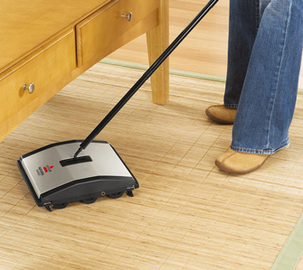Bissell balais Natural Sweep en action 1