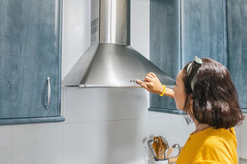 Nettoyer hotte inox : Comment faire briller votre hotte aspirante en inox ?