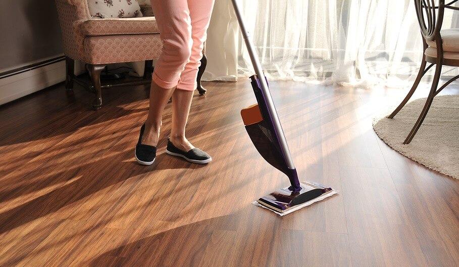 Comment nettoyer et détacher efficacement un parquet