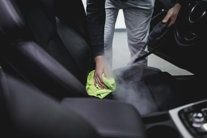 Nettoyeur vapeur voiture : Décrasser votre voiture grâce à la vapeur
