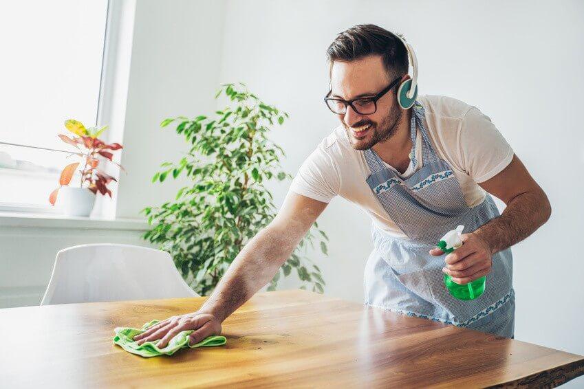 Les bons gestes à adopter pour une maison propre cet hiver