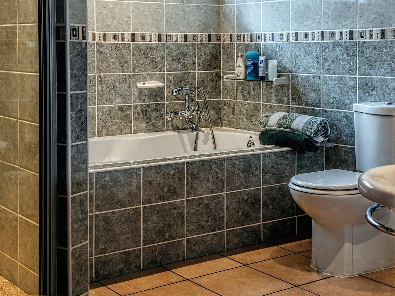 Nettoyer toilettes : 5 astuces pour nettoyer parfaitement ses toilettes