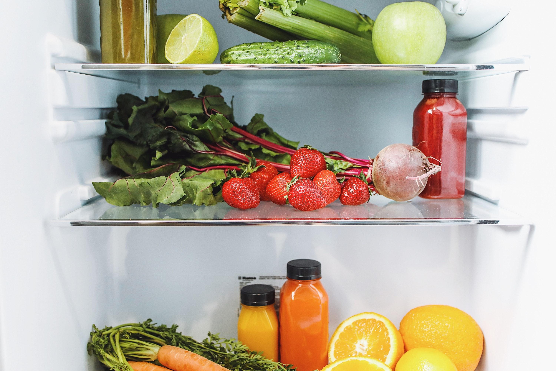 4 conseils pour nettoyer son réfrigérateur et protéger sa santé