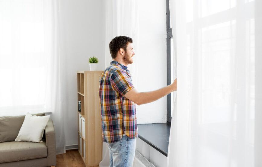 Comment nettoyer efficacement vos rideaux et voilages?