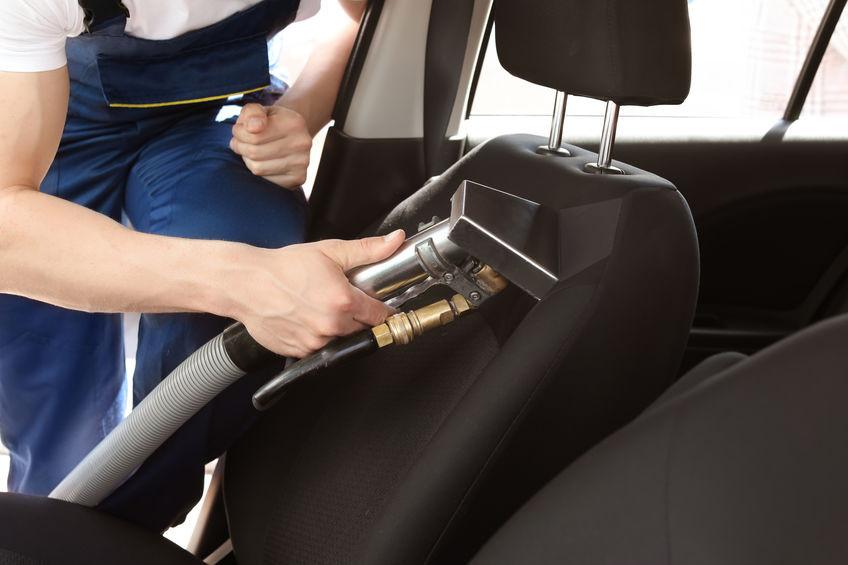 Comment nettoyer sa voiture en utilisant la vapeur?