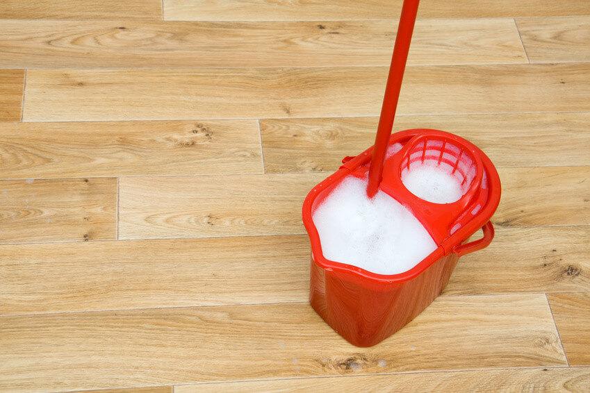 Comment nettoyer parfaitement votre lino, nos astuces