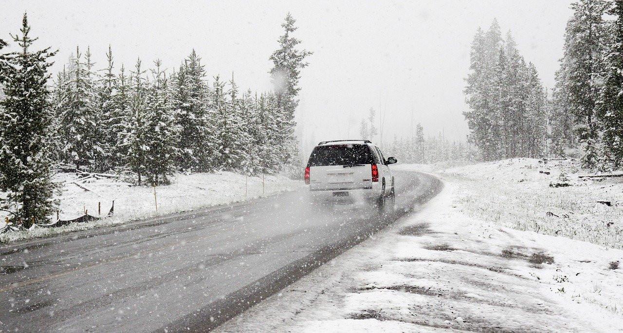 Comment nettoyer sa voiture et la garder propre en hiver?